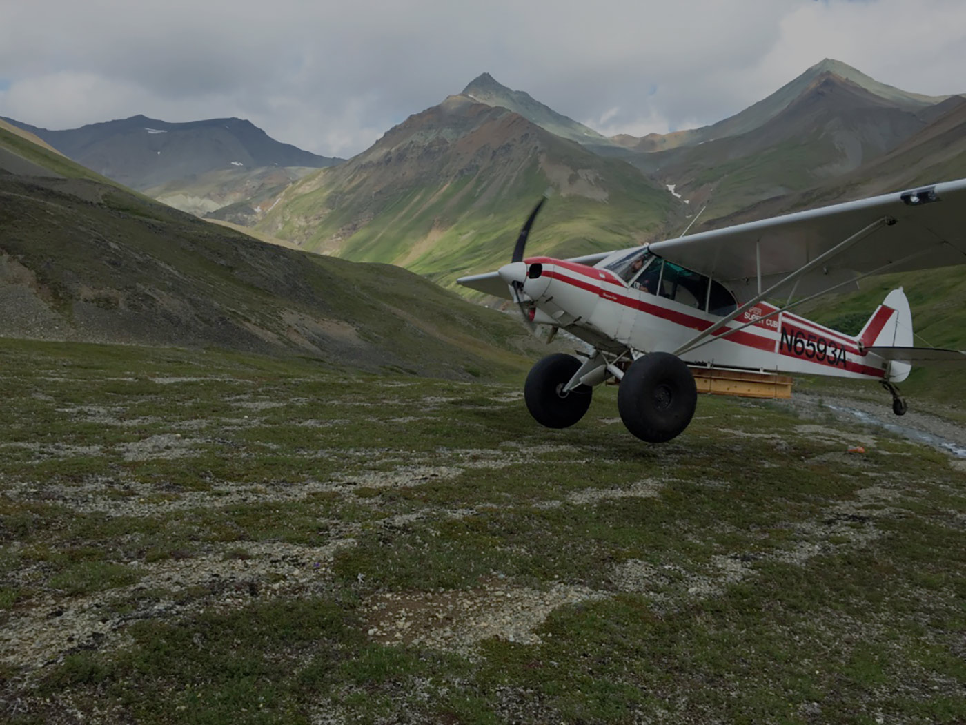 Alaska self-guided hunting plane
