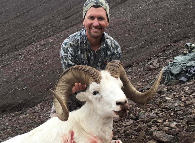 Alaska sheep hunting
